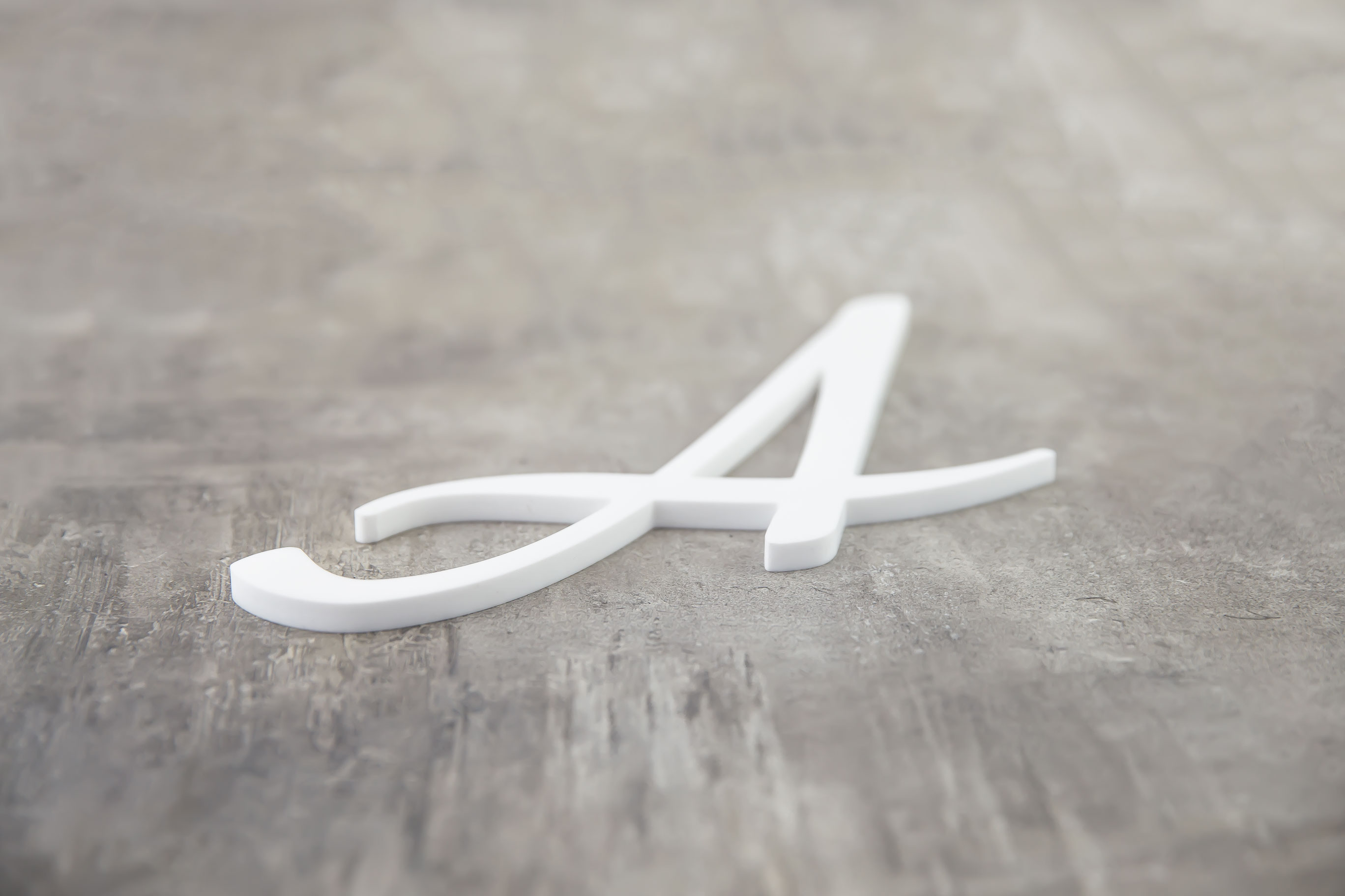 Acrylglas 8mm weisserBuchstabe web